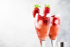 Sparkling Wine & Strawberries